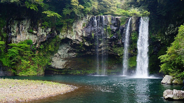 Jeju Island Cheonjiyeon Waterfall