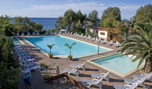 Villaggio dei Fiori piscina