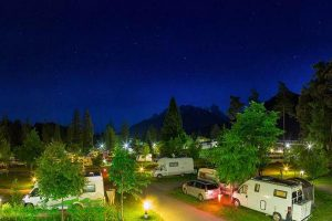 Camping Olympia in notturno