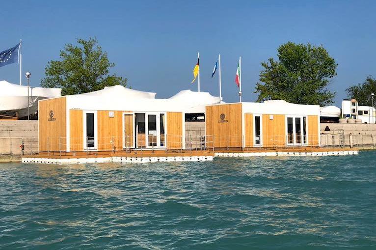 Floating Resorts 1