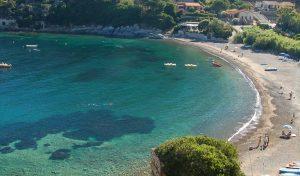 spiaggia-nisporto campeggio sole e mare
